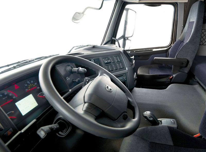 Салон грузовика Volvo FH12