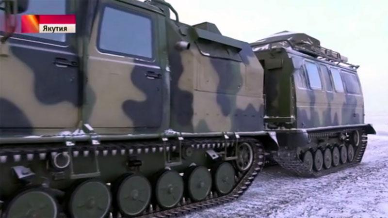 """Российский гусеничный снегоход """"ГАЗ-334420"""""""