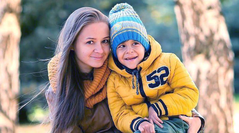 Андрей Тихонов из Оренбурга и его мама