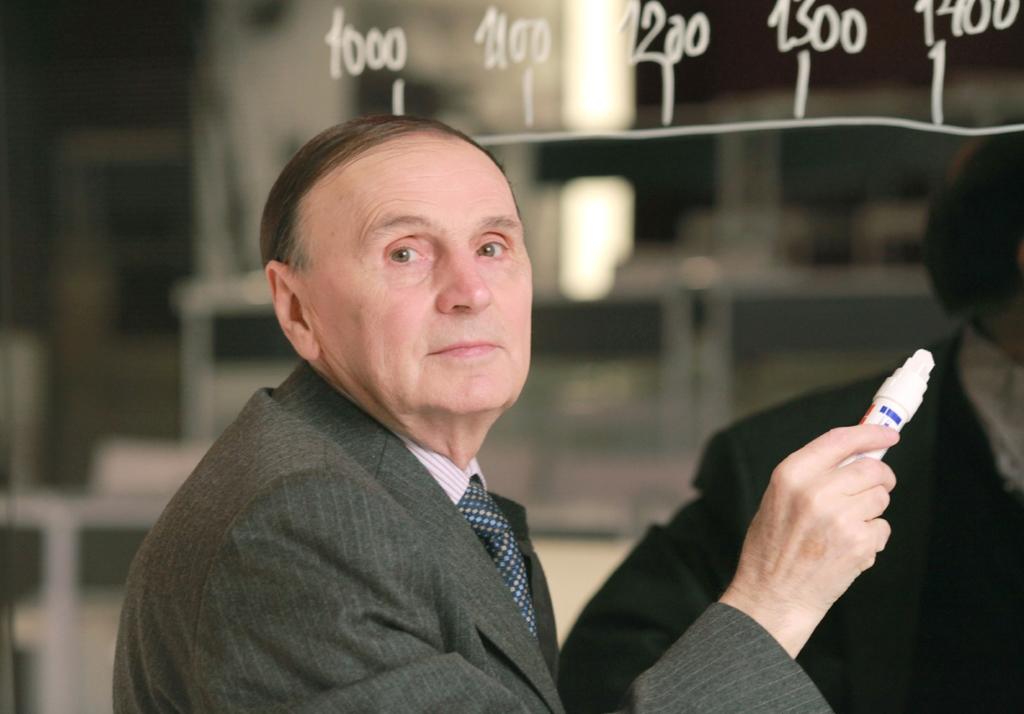 Андрей Зализняк, лингвист