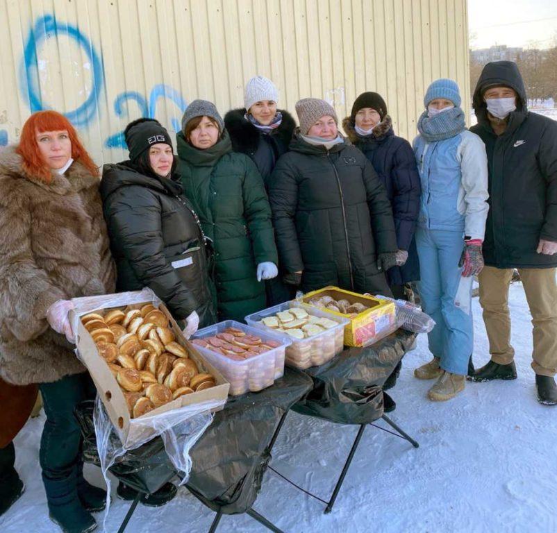 волонтеры, Группа помощи бездомным и нуждающимся в Курске